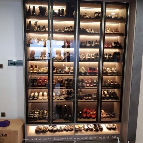 Cánh kính tủ giày